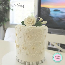One Tier White Design Cake